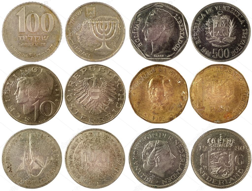 Старые монеты разных стран - стоковое фото radnatt #18232035.