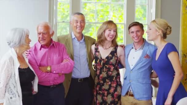 tři generace rodiny pohromadě