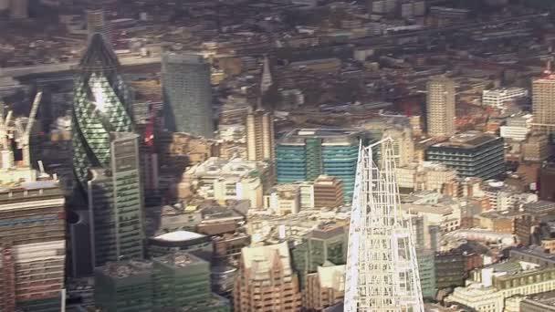 Letecký pohled na panorama Londýna a slavné londýnské mrakodrapy