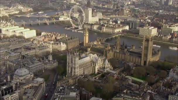 Luftaufnahme über der City of Westminster in london