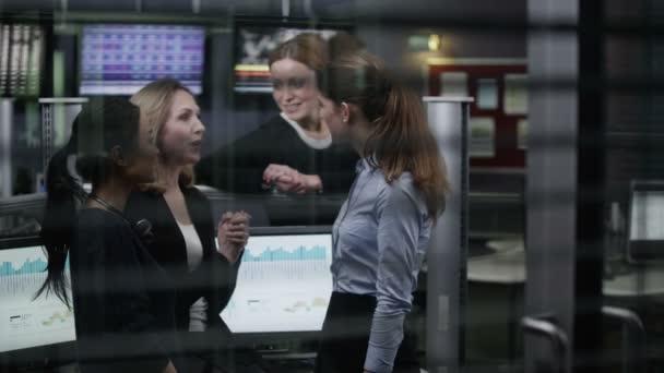 Financial traders take break
