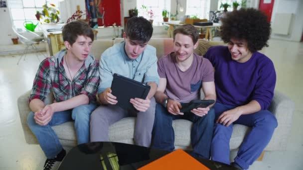 sexe les adolescents vidéo gay sous décrochage porno
