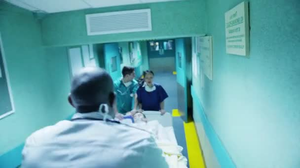 havarijní tým rush pacienta na vozík