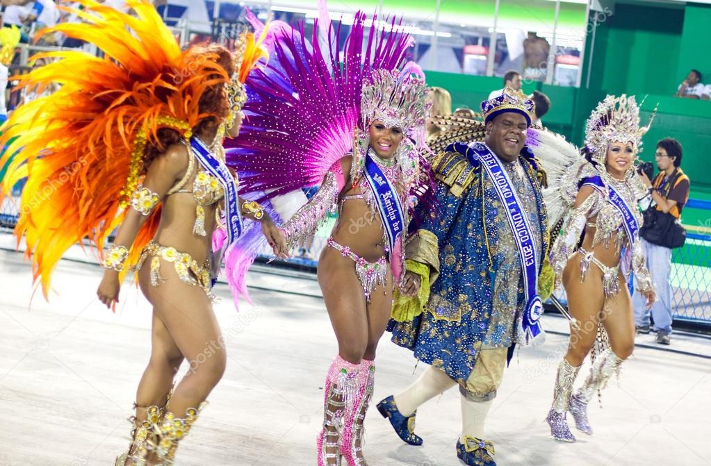 ffa94b856d7c Trajes de carnaval de brasil hombres | Rio De Janeiro - 10 de ...