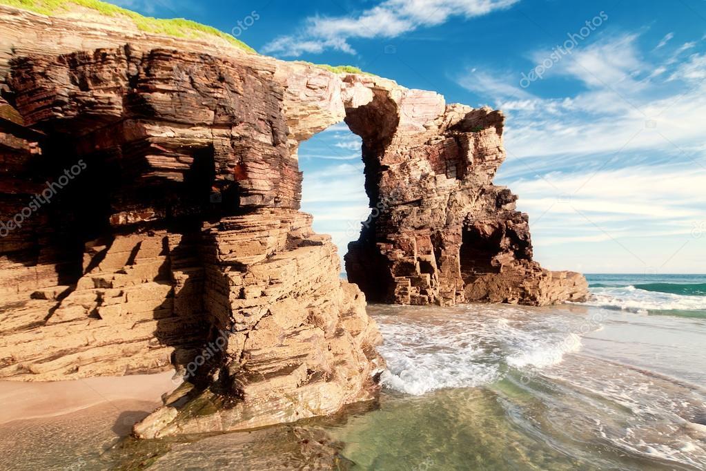 playa de las catedrales en galicia espana