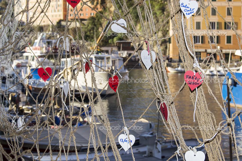 Cuori nella rete da pesca foto stock guidonardacci - Rete da pesca per decorazioni ...