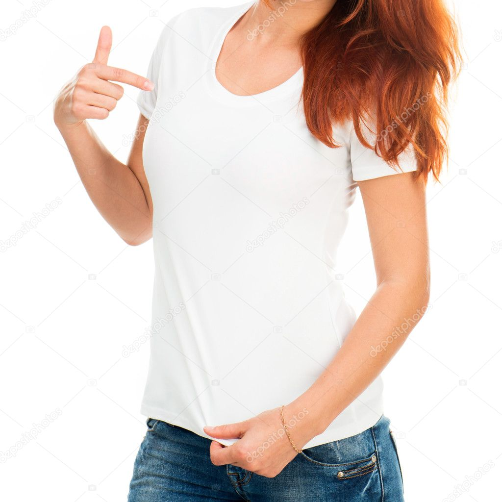 Девушка в белой футболке фото