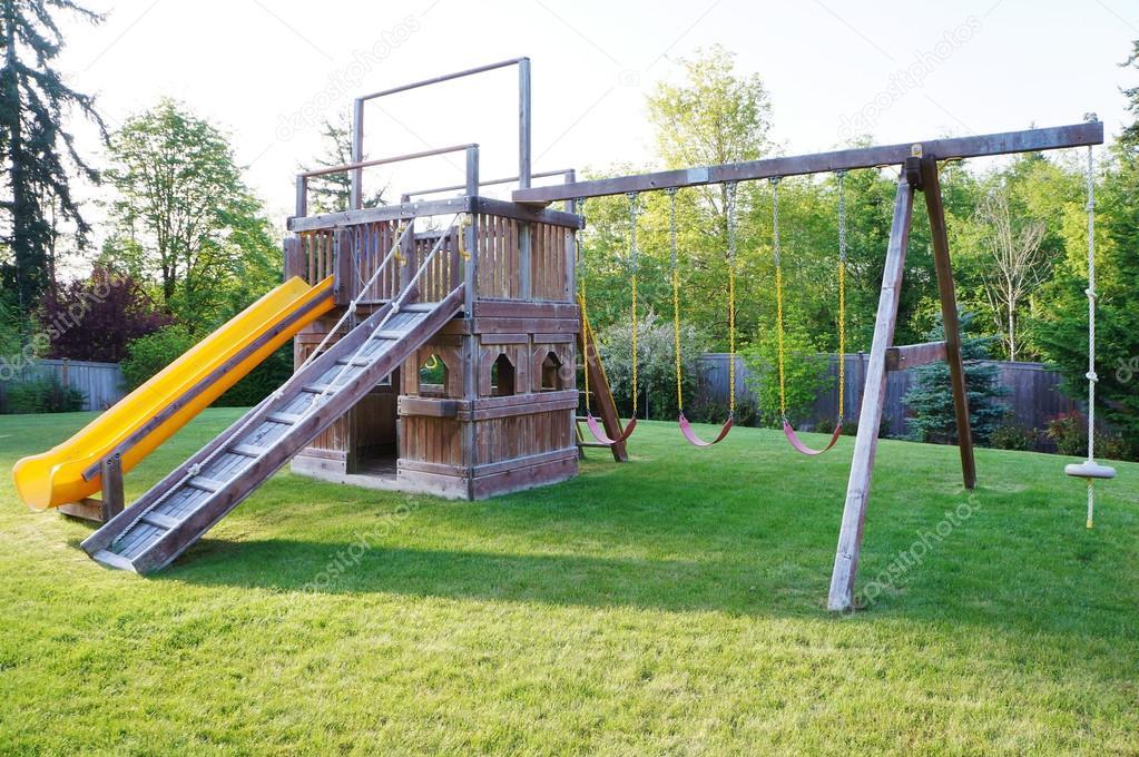 Juegos Infantiles De Patio Juegos Infantiles En Patio Cercado De - Casa-de-juegos-infantiles