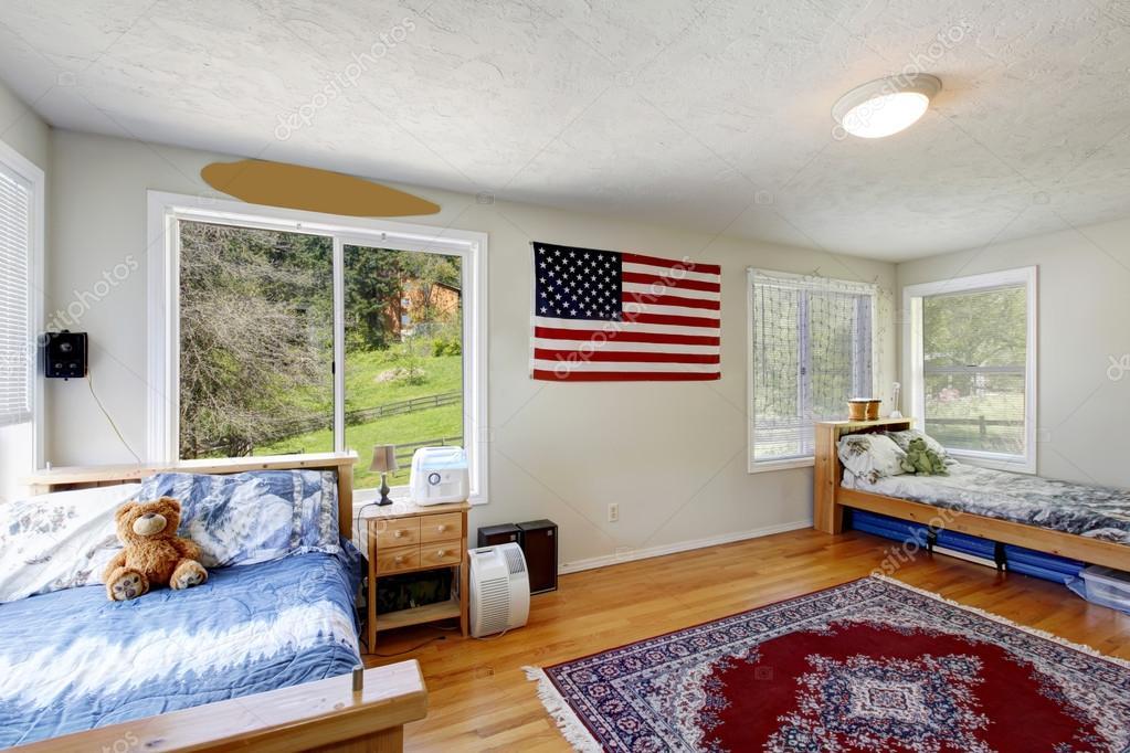 Amerikaanse bedrijf huis kinderen jongens slaapkamer — Stockfoto ...