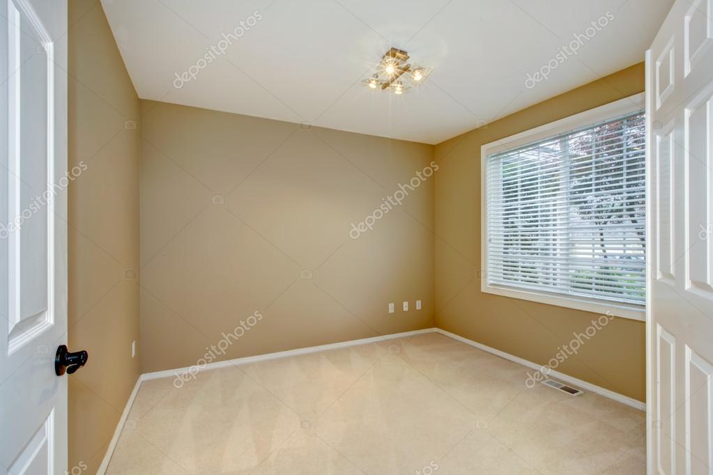 Vide nouvel intérieur de chambre à coucher avec brun et beige ...