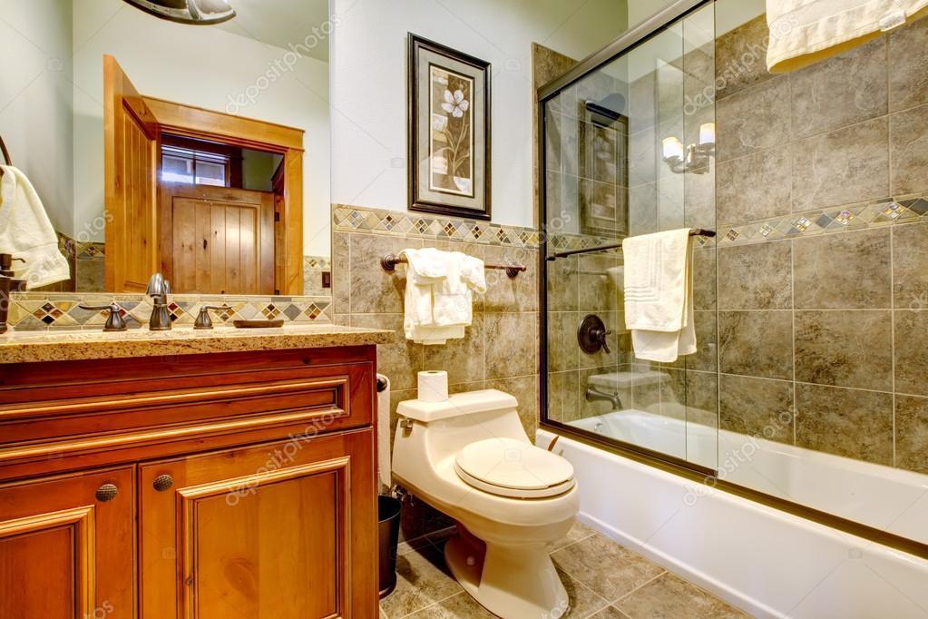 Salle de bain maison luxe montagne cabine avec douche ...