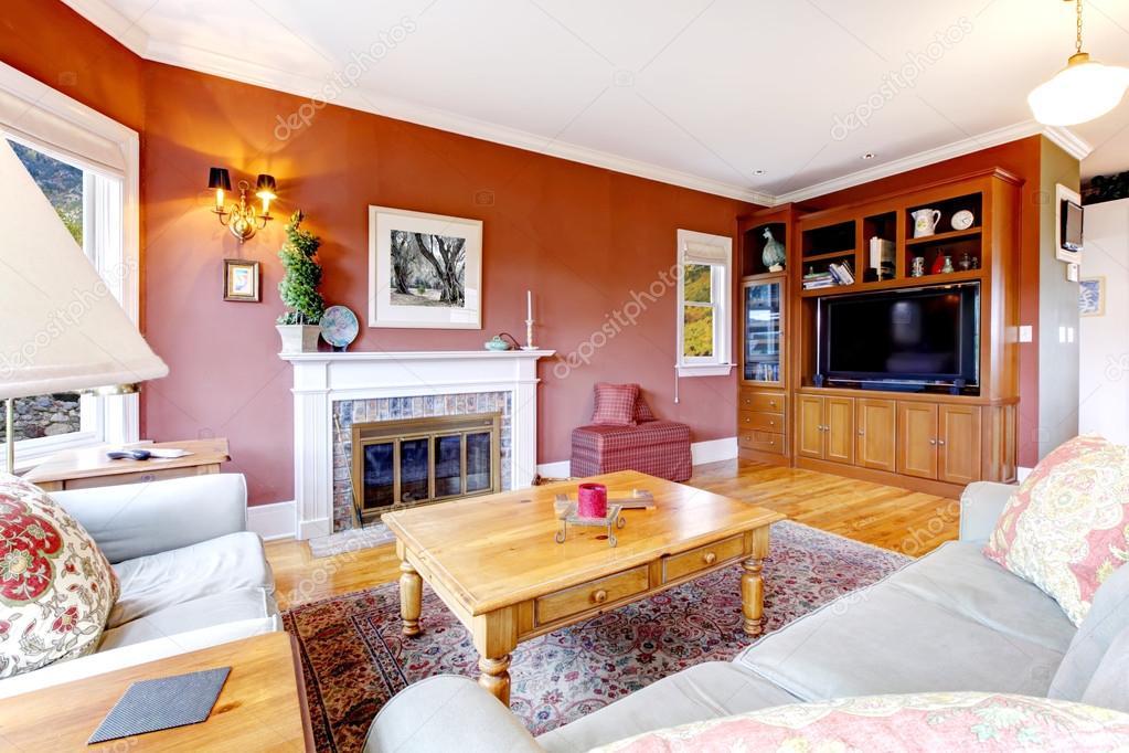 Großes Schönes Wohnzimmer Mit Kamin Und Rote Wände U2014 Foto Von Iriana88w