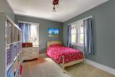 Fényképek gyerekek hálószoba ágy piros és szürke falak