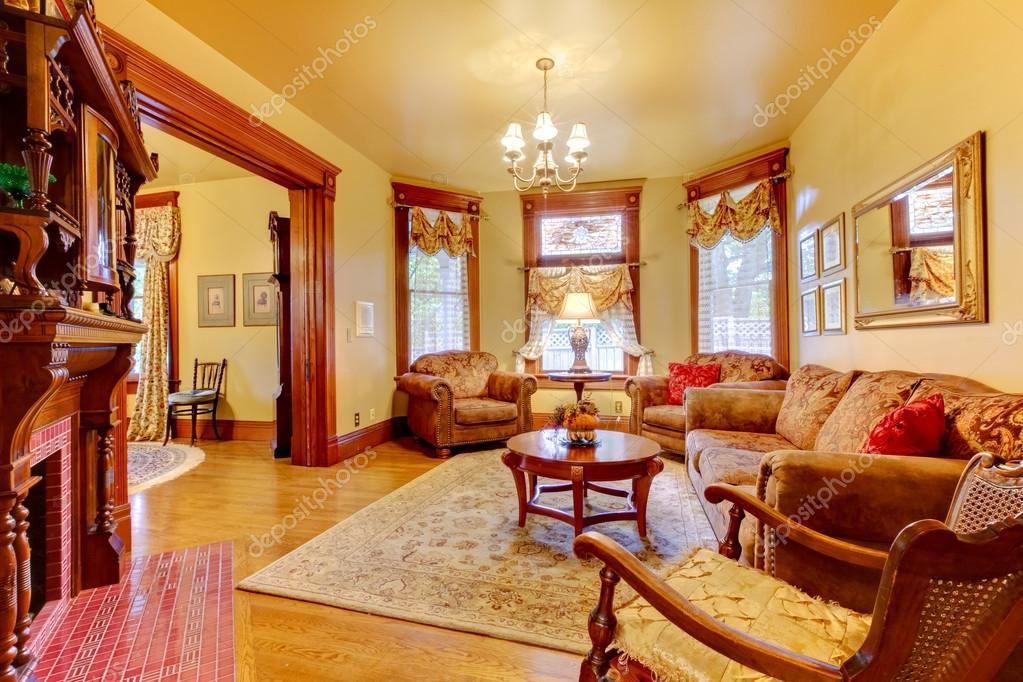 Historische Alte Antike Wohnzimmer Interieur In Amerikanischen Haus