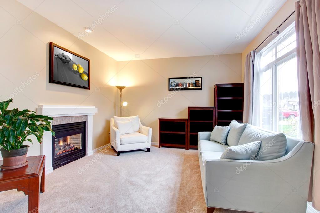 intérieur élégant salon moderne américaine avec cheminée ...