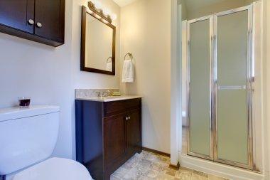 Elegant dark brown tones bathroom