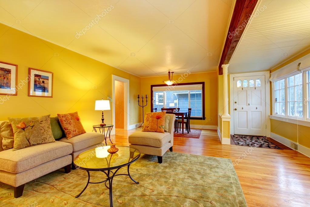 Open design interieur. woonkamer met eethoek — Stockfoto © iriana88w ...