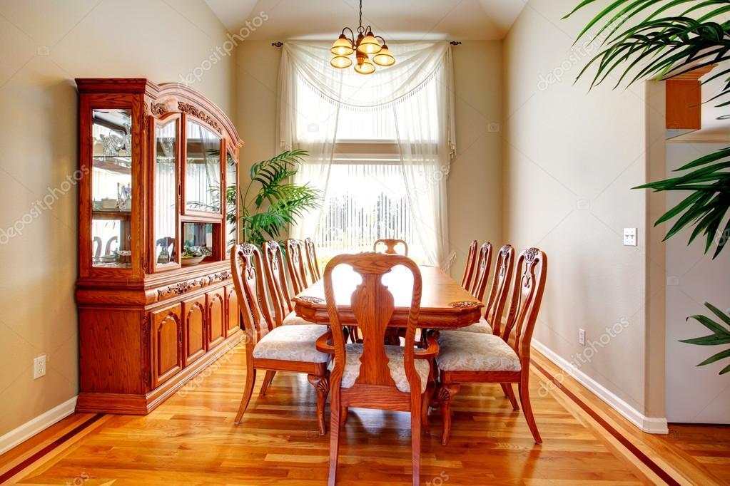 Salle manger de luxe photo 40715555 for Salle a manger de luxe