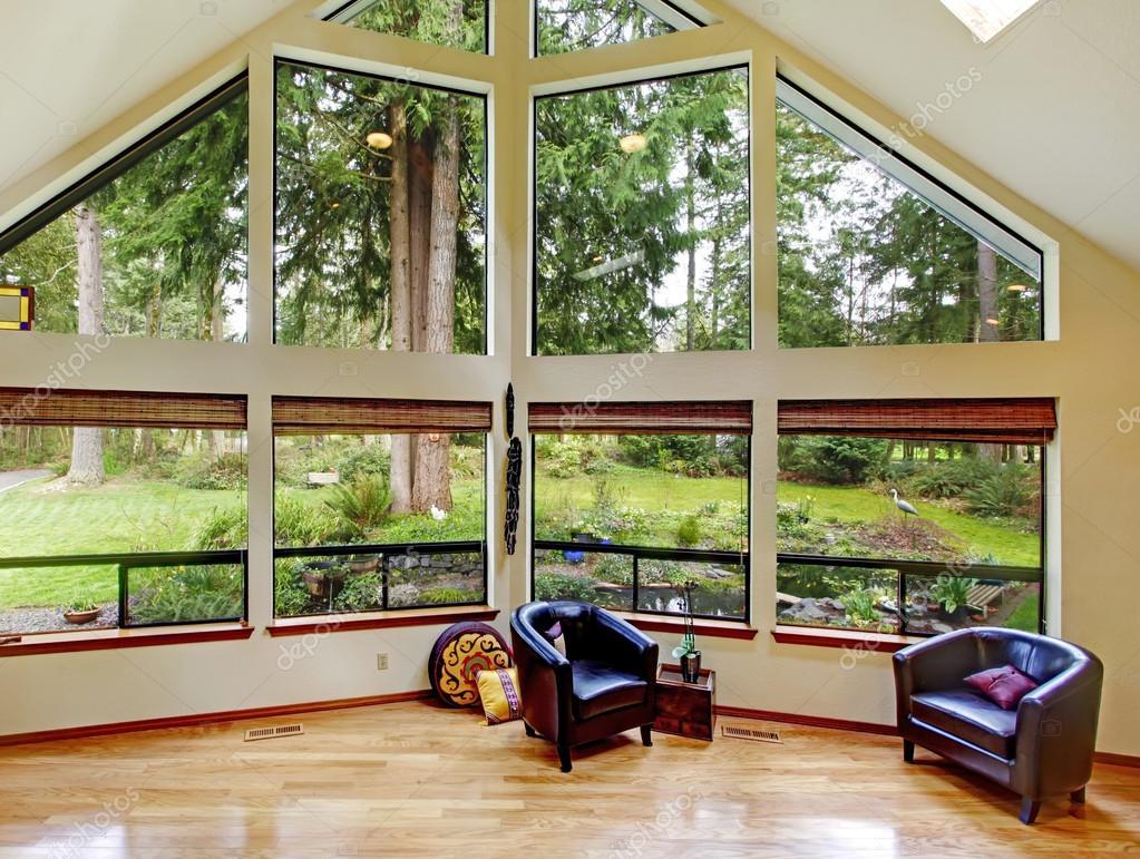 Inspirierend Glaswand Wohnzimmer Beste Wahl Beeindruckende Mit — Stockfoto