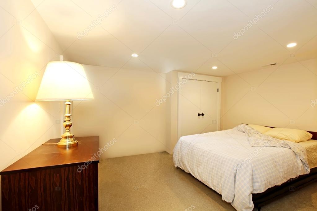schlafzimmer ohne fenster — stockfoto © iriana88w #41353409, Schlafzimmer ideen