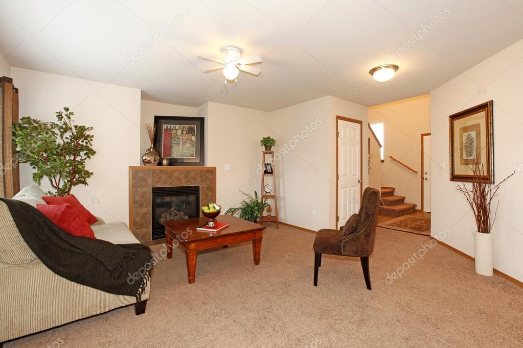gemütlich warmen Wohnzimmer — Stockfoto © iriana88w #41893653