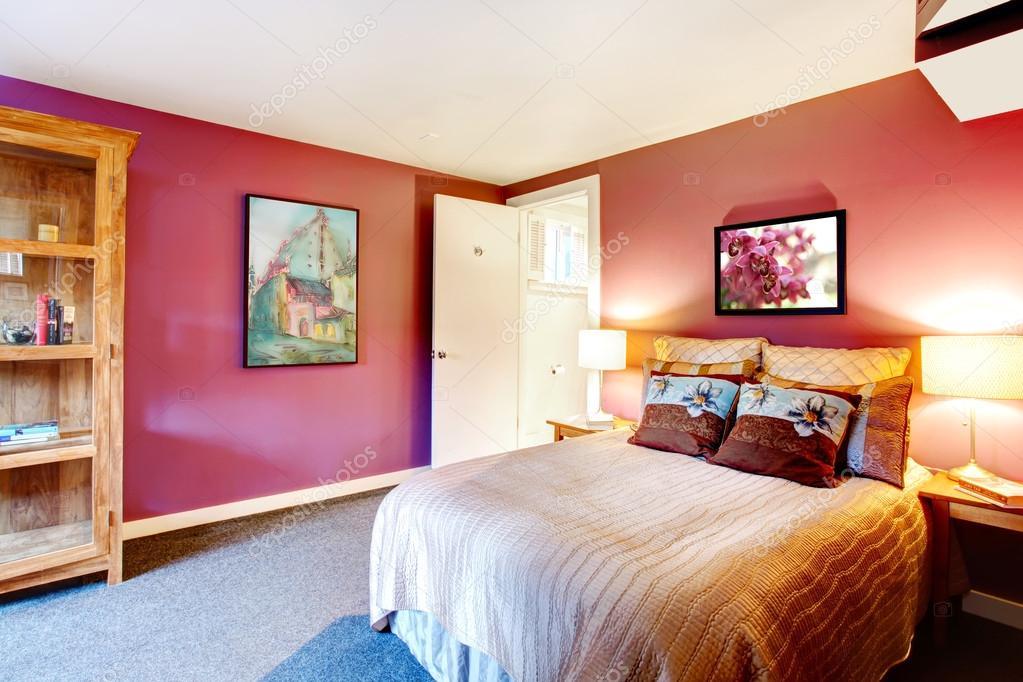 Schöne schlafzimmer farben  Kontrast Farbe schöne Schlafzimmer — Stockfoto © iriana88w #42212189