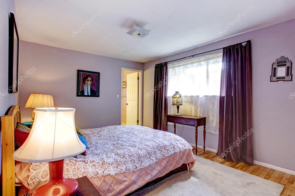 Alte Mode Lavendel-Schlafzimmer — Stockfoto © iriana88w ...