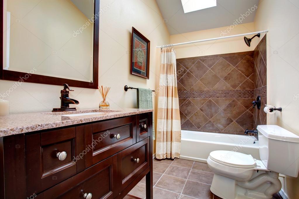 Elegant Bathroom With Tile Wall Trim, Bathroom Wall Trim