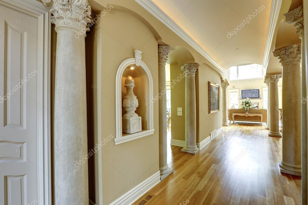 luxus haus innen flur stockfoto iriana88w 44718451. Black Bedroom Furniture Sets. Home Design Ideas
