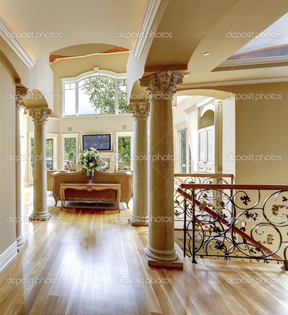 luxus haus innen flur stockfoto iriana88w 44718459. Black Bedroom Furniture Sets. Home Design Ideas