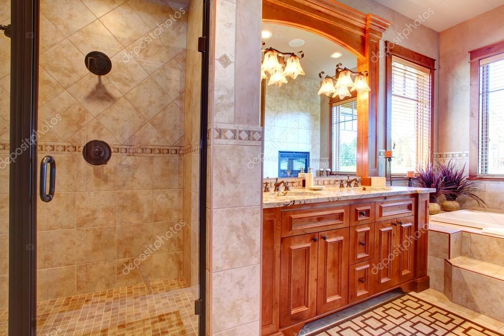 luxe badkamer. tropische thema interieur — Stockfoto © iriana88w ...