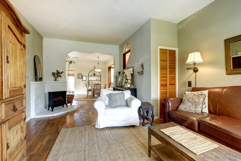 Living Room In Old House With Antique Furniture U2014 Stock Photo