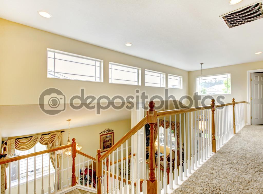 maison inteior avec balcon int rieur photographie iriana88w 47856137. Black Bedroom Furniture Sets. Home Design Ideas
