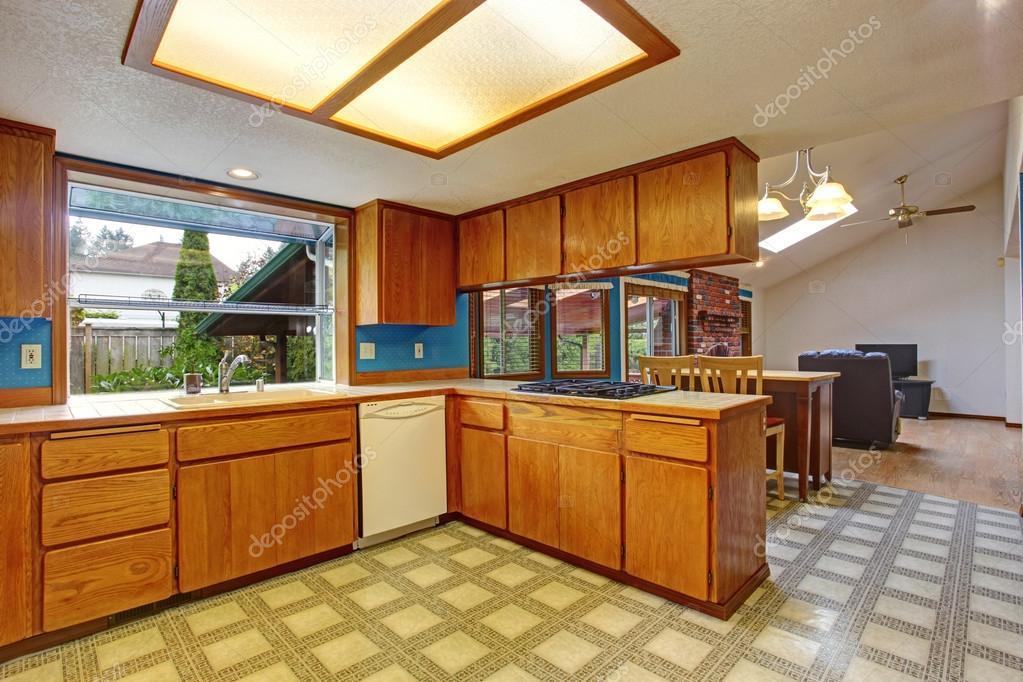 Keuken kamer in oud huis u2014 stockfoto © iriana88w #49180815