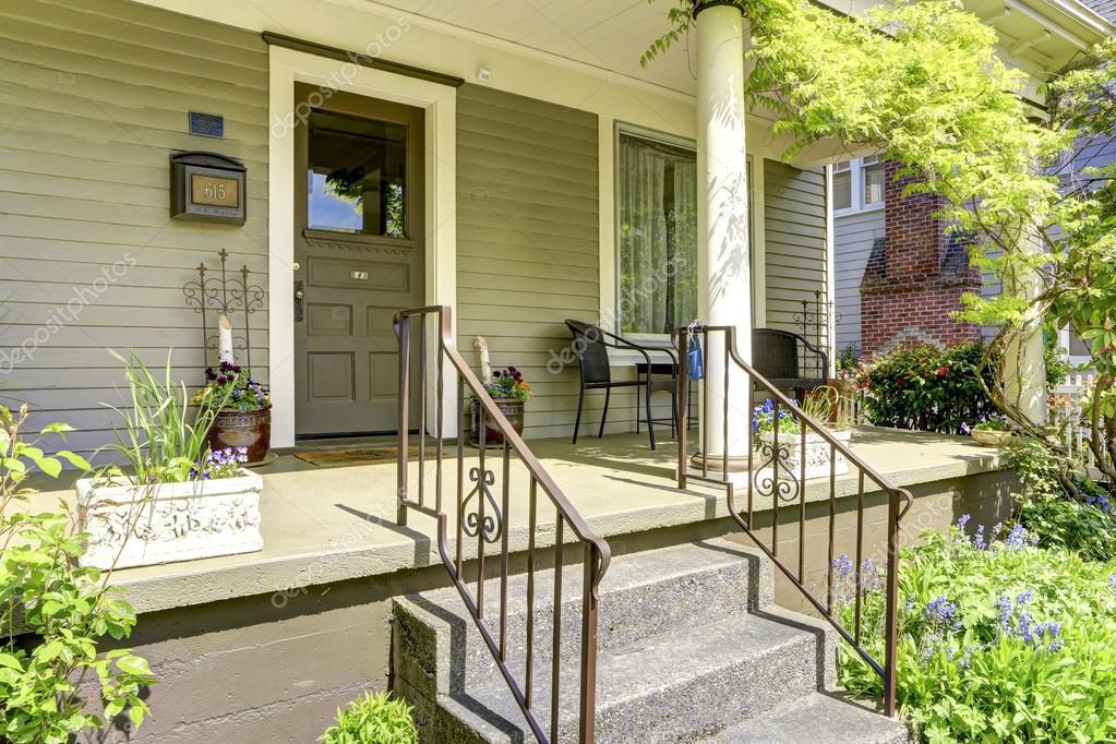 Porche DEntre De Colonne Maison Avec Escalier  Photographie