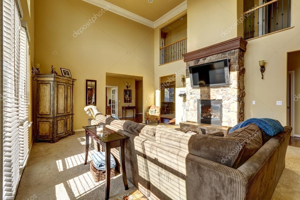 Luxus Wohnzimmer Mit Kamin Und Tv U2014 Stockfoto