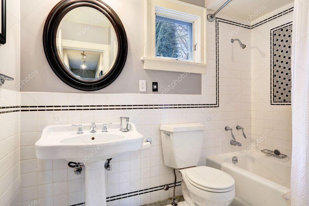 화이트 욕실 타일 벽 장식 — 스톡 사진 © iriana88w #50254881