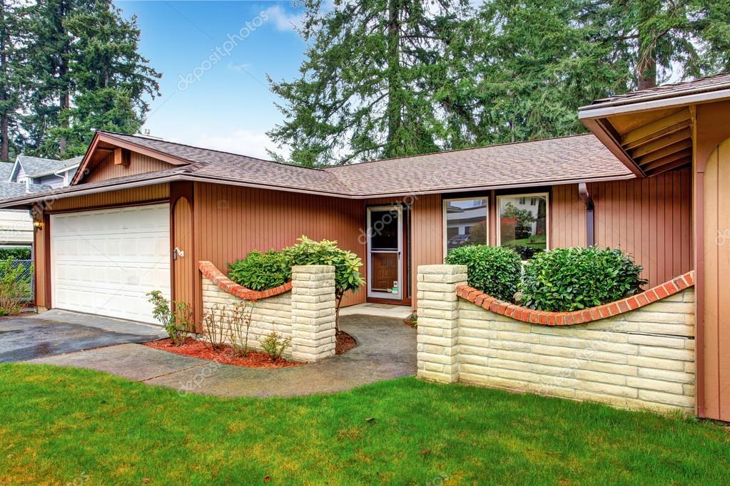 Ingressi Esterno Di Casa : Esterno della casa vista del portico di ingresso u foto stock