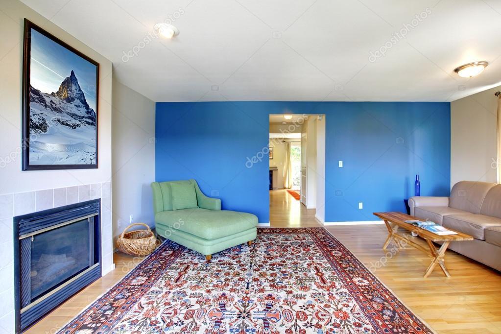 woonkamer met helder blauwe muur — Stockfoto © iriana88w #50657433