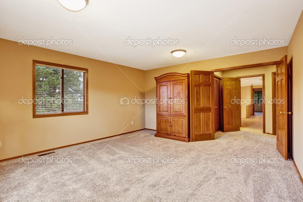 Lieblich Leere Schlafzimmer Interior In Weichen Pfirsich Farbe Mit Garderobe U2014  Stockfoto