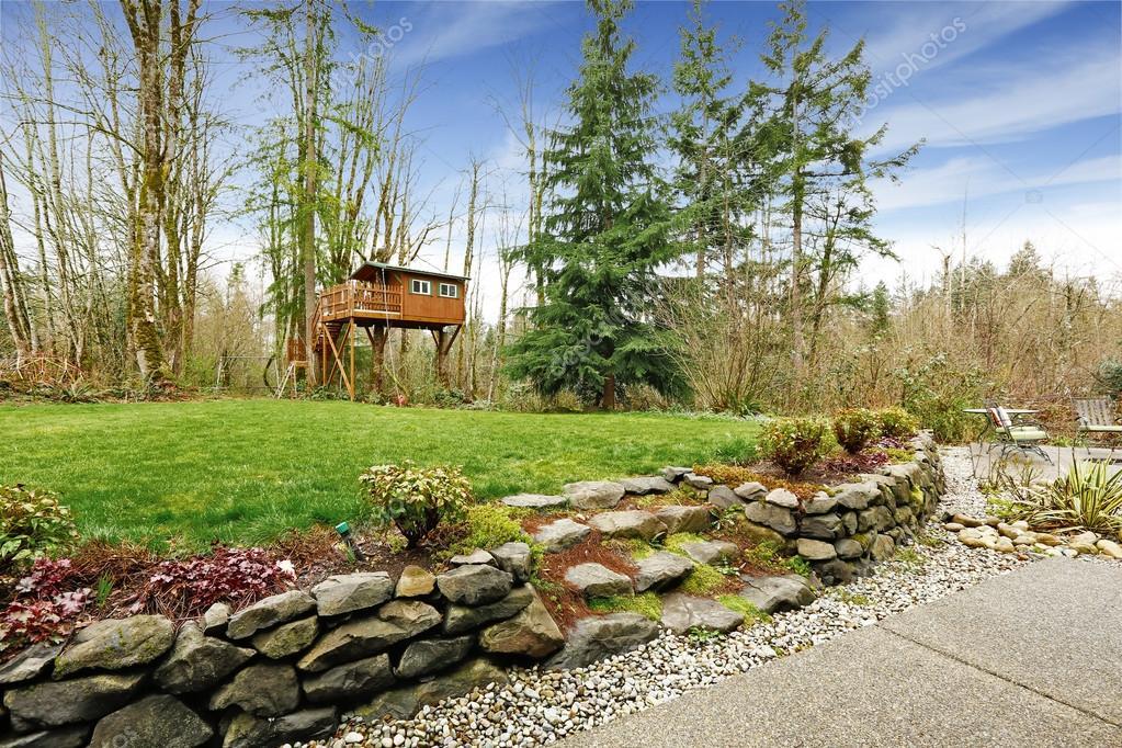 Perfekt Haus Mit Garten Landschaft. Blick Auf Haus Mit Garage U2014 Foto Von Iriana88w