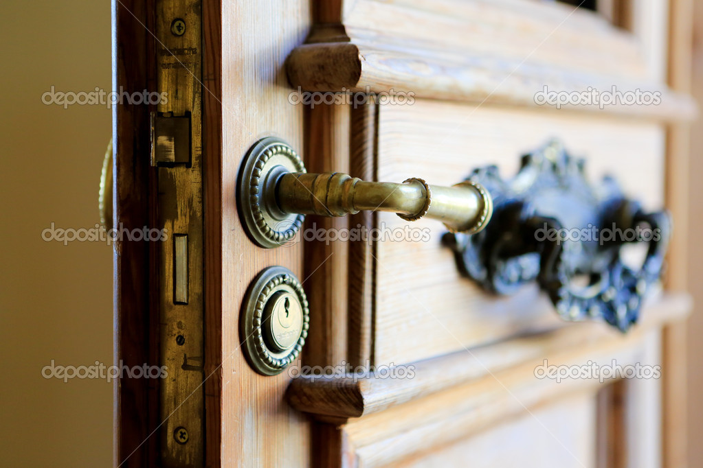 Entrance door handle with keyhole. Close up view u2014 Stock Photo #50894975 & Entrance door handle with keyhole. Close up view u2014 Stock Photo ... pezcame.com