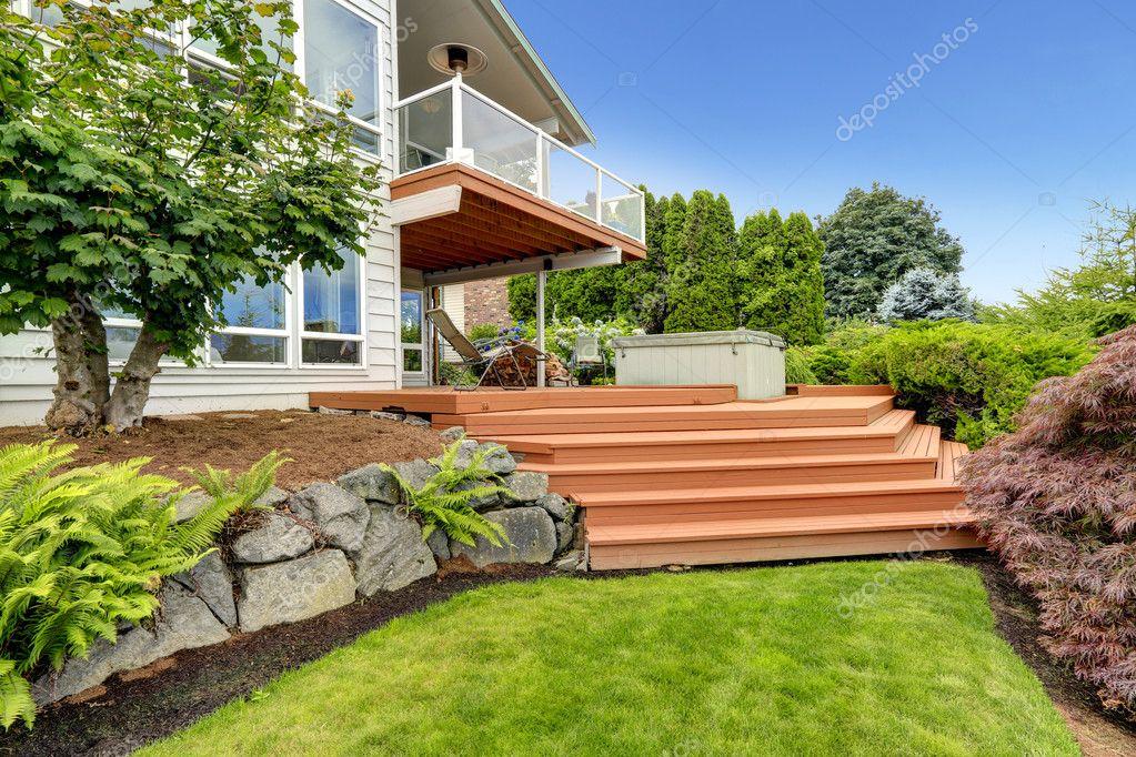 Haus Außen Mit Hinterhof Landschaft U2014 Stockfoto
