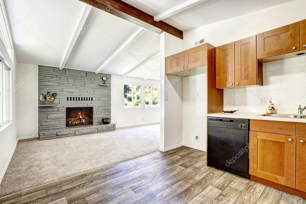 interior de la casa. cocina y living comedor — Foto de stock ...