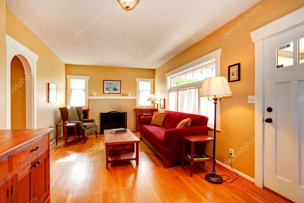 Wohnzimmer mit gemütlichen Kamin — Stockfoto © iriana88w #51684239