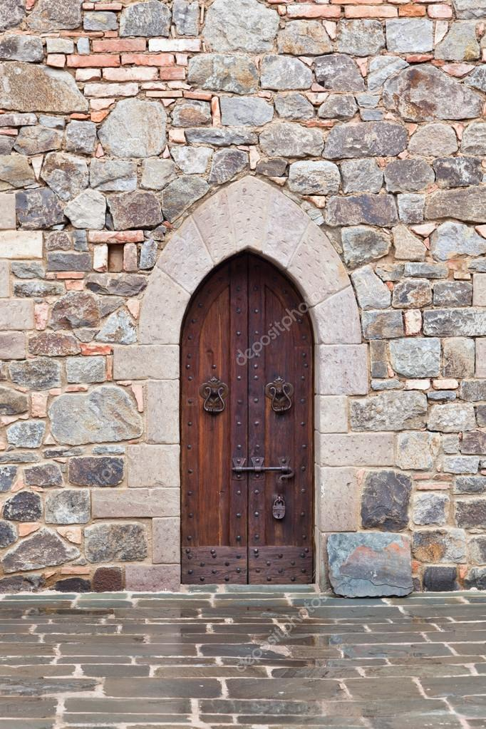 medieval puerta con cerradura — Fotos de Stock © tamifreed #26068349