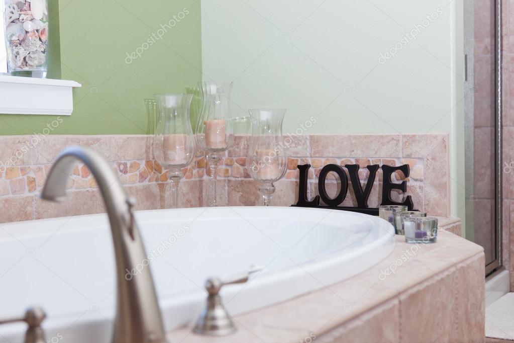 Vasca Da Bagno Bloccata : Amore nella vasca da bagno u foto stock tamifreed