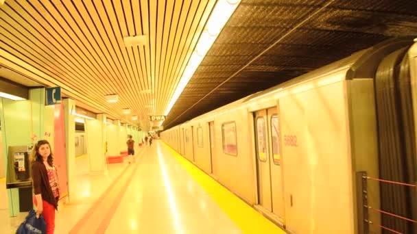 Torontos Transit System (Subway)
