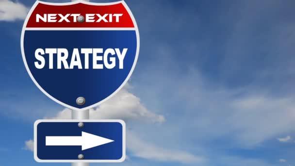 stratégia útjelzési idő telik felhő háttérrel