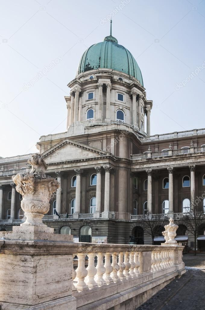 Budapest royal palace lesbian 2